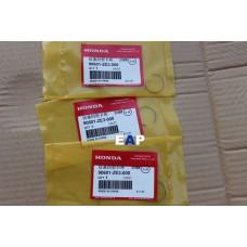 Honda GX390 Clip,Piston Pin (Genuine) Parts No.90601-ZE3-000